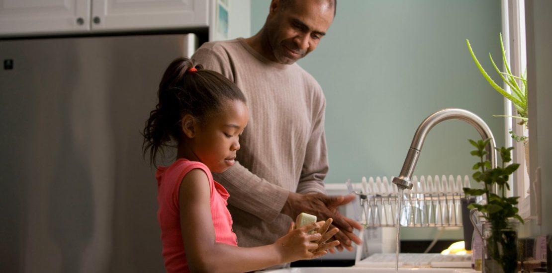 handwashing father daughter
